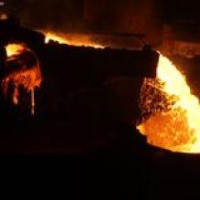 het-smelten-van-staal-24388212